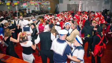 Maškarani tanci u Kostreni