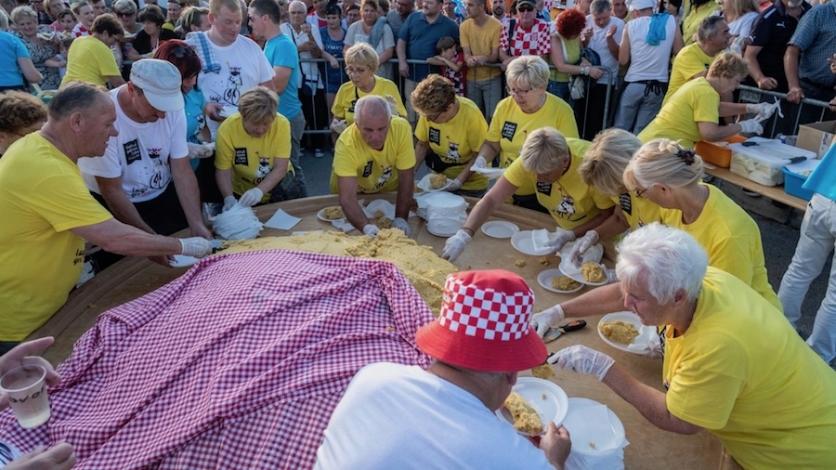 Palenta kompirica privukla gotovo tisuću ljudi