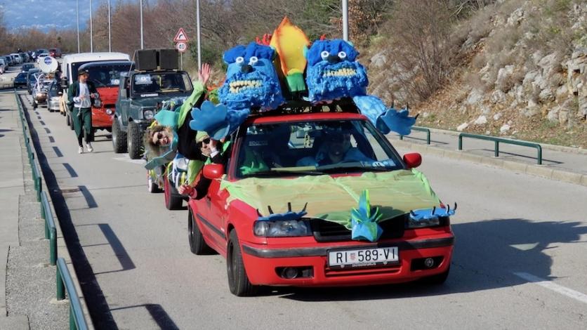Najluđa kolona vozila na cestama od Pariza do Bakra