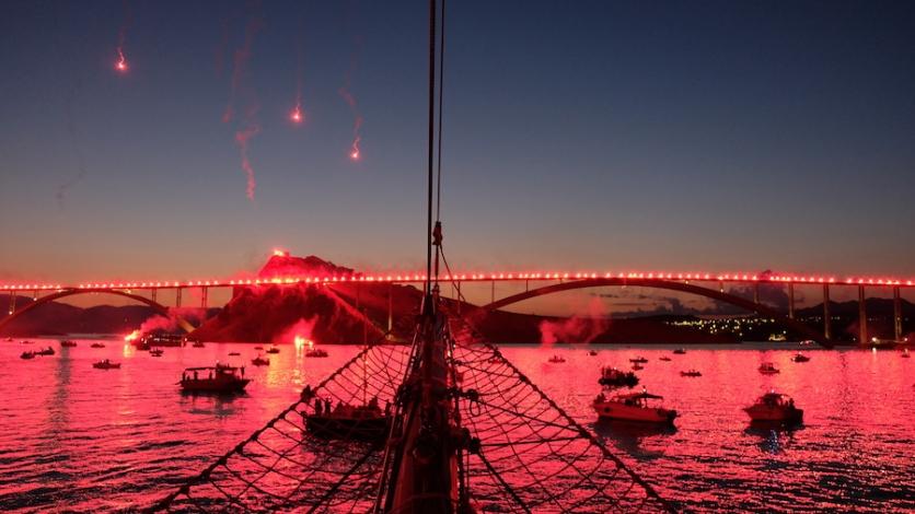 Armada obasjala Krčki most u čast 222 poginula branitelja