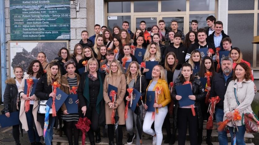 Čavjanskim studentima i učenicima čak 77 stipendija