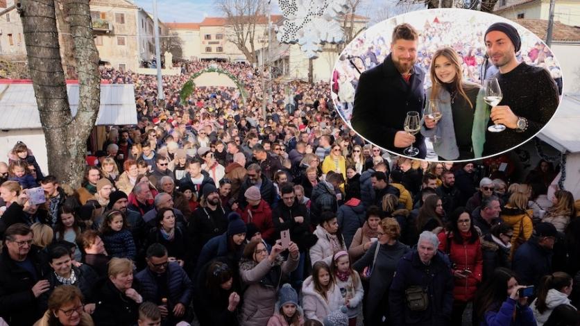Tisuće u Kastvu dočekale posljednje podne u 2019. godini