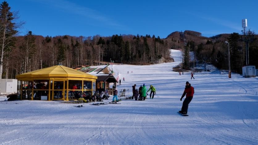 Povijesni dan za Platak, Radeševo pod umjetnim snijegom