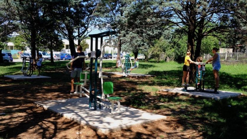 Sprave za vježbanje postavljene pokraj čavjanske škole