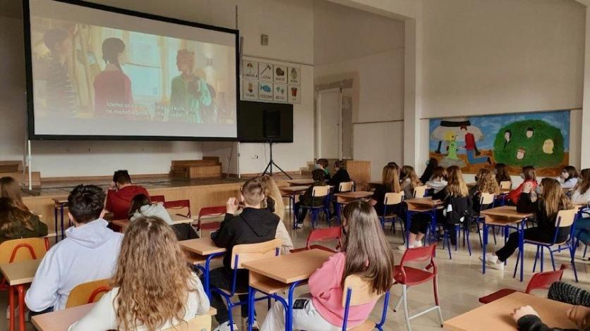 Kostrenski osnovnoškolci uživali u kino projekciji