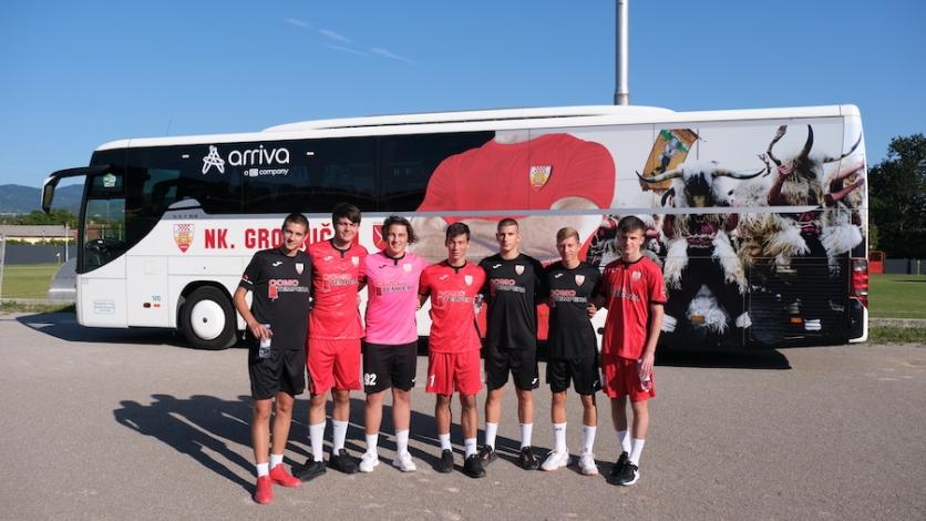 Predstavljen novi autobus i dresovi NK Grobničana