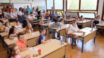 Školsko zvono dozvalo 38 kraljevičkih prvašića