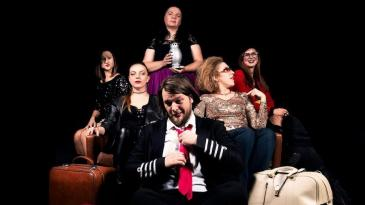 """Predstava """"50. Nijansi fuksije"""" za Dan žena u Šmriki"""