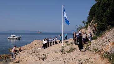 Plava zastava i ove godine krasi kostrensku uvalu Svežanj