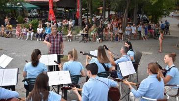 Turiste na Oštru razveselio nastup KUD- a Eugen Kumičić