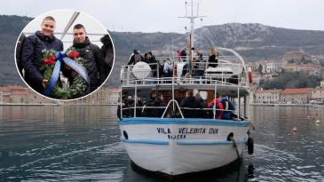 "Plava zastava na školskom brodu ""Vila Velebita dva"""