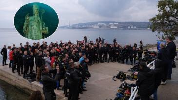 Rekordan broj ronilaca u Kraljevici tražio kip sv. Nikole