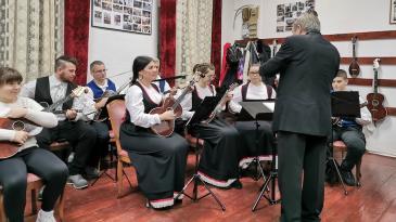 """""""Eugen Kumičić"""" i gosti na Križišću održali božićni koncert"""