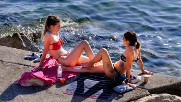Sezonu kupanja mnogi su otvorili danas u Kostreni