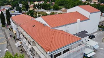 Dom kulture Čavle dobio novi krov, obnova ide po planu