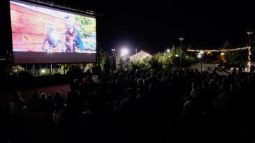 Kostrensko kino na otvorenom donosi dva filma