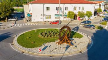 Mlinovi s Rječine dobili spomenik u centru Dražica