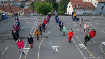 Bakarski osnovnoškolci odali počast Vukovaru i Škabrnji