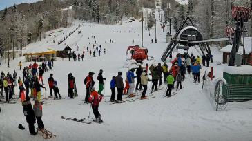 Brojni skijaši uživali na Radeševu 1 i Turističkoj
