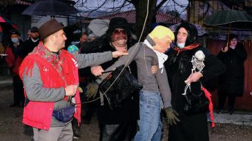 Rubeši i Jurčići za 2020. okrivili pa spalili Nesrećka i Srala