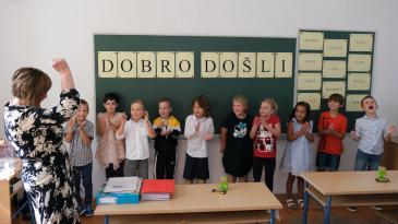 """Zvono """"dozvalo"""" 23 kraljevička prvašića u školske klupe"""